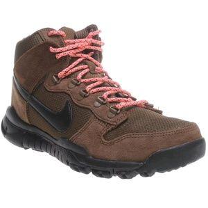 cheap for discount 8eeb7 ace3c Nike SB Dunk High Boot NWT